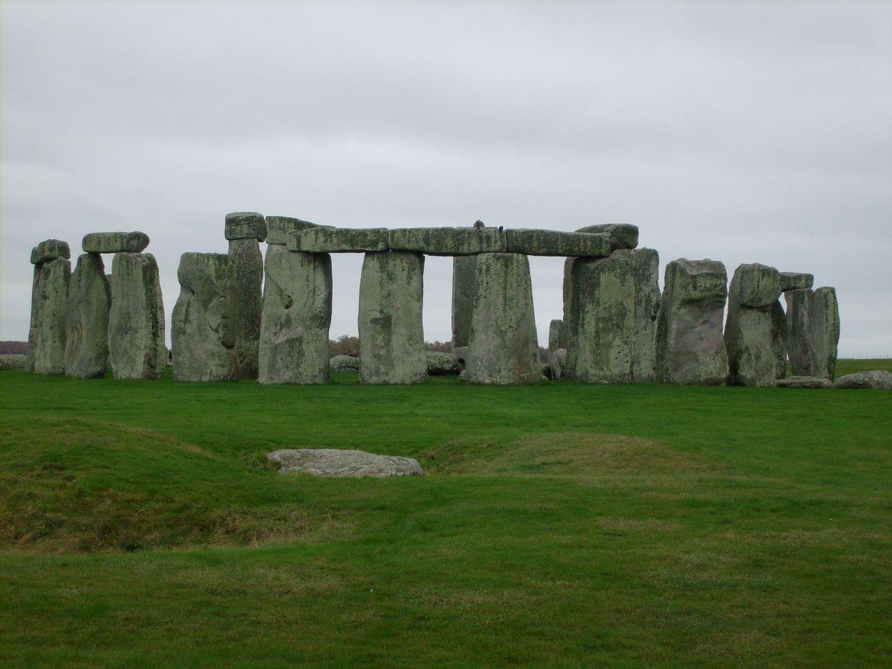 Stonehenge, unul dintre cele mai cunoscute monumente din Patrimoniul Mondial