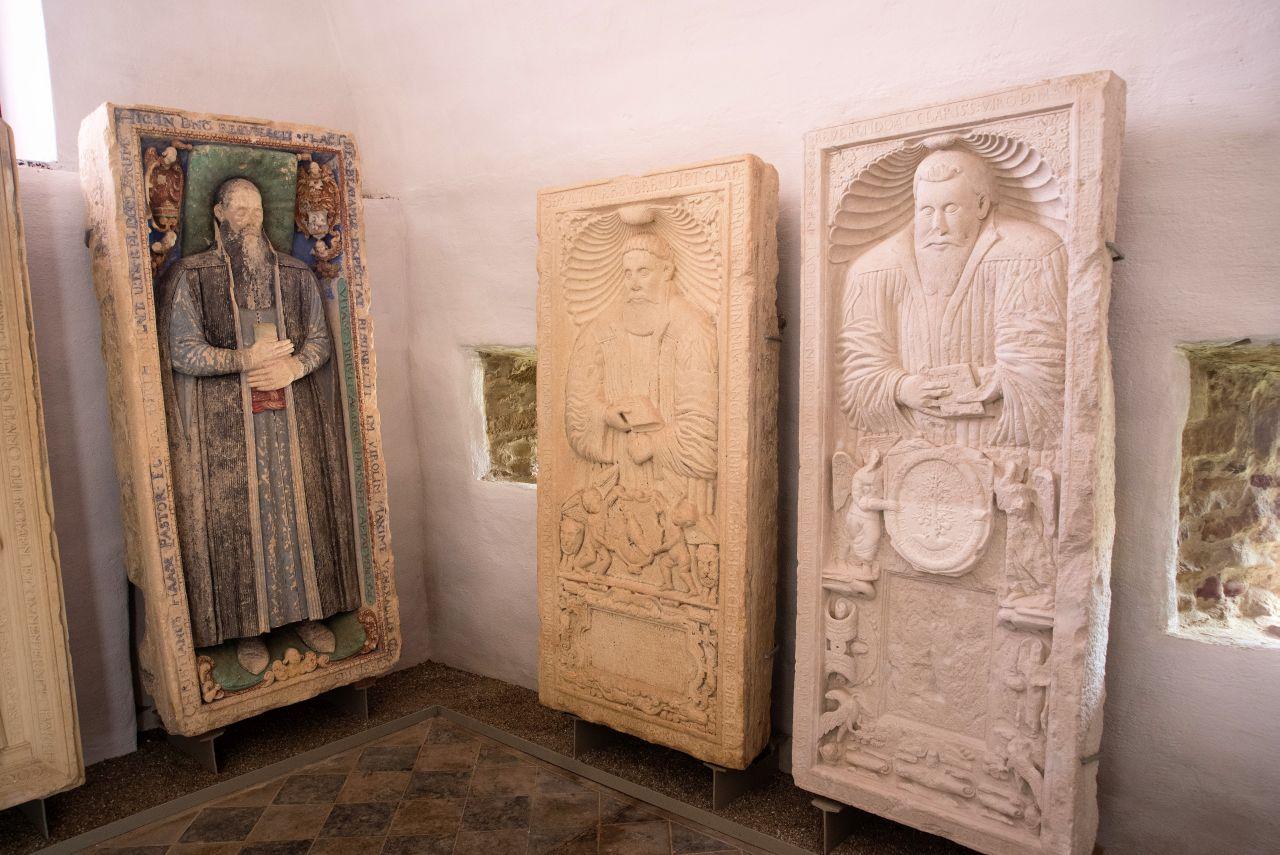 Mausoleul episcopilor sași de la Beirtan