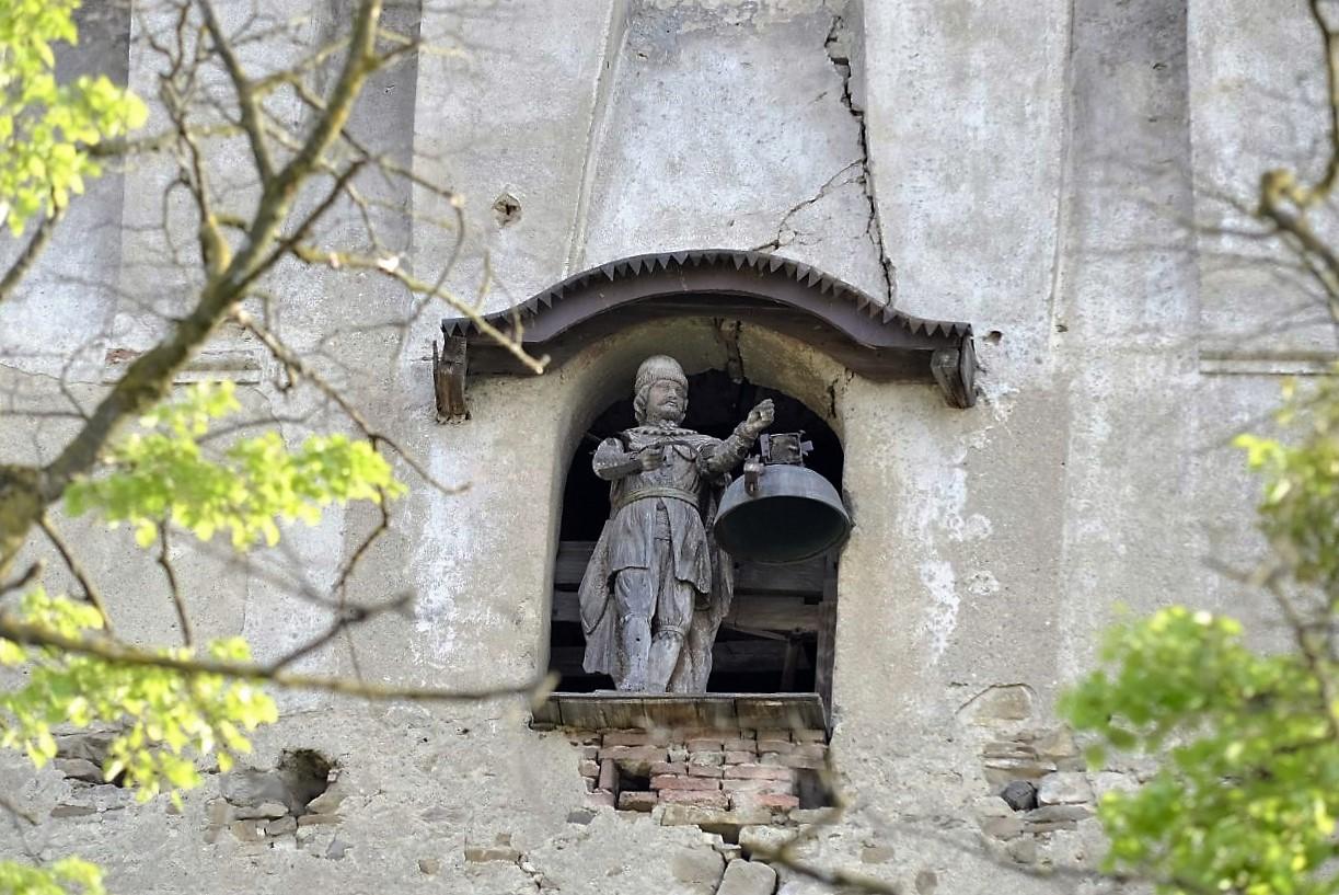 Bogdan, statueta din turn