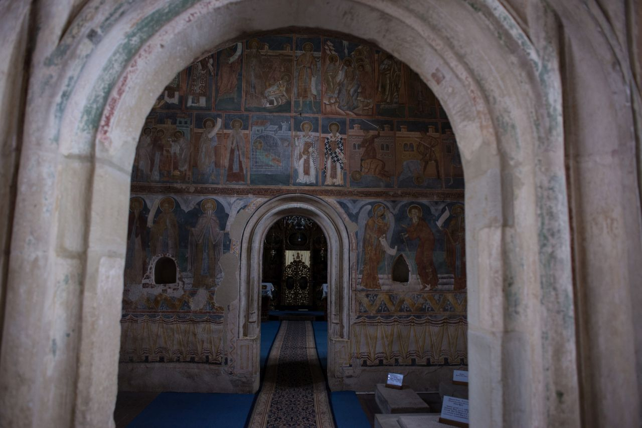 Biserica mănăstirii, interior